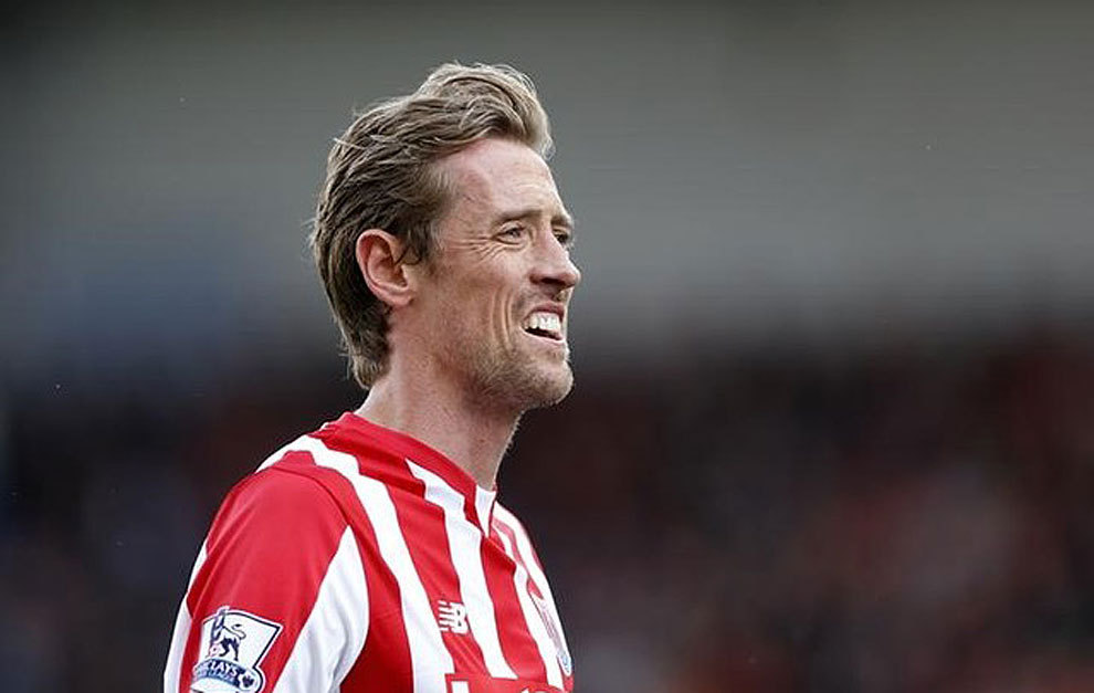 Crouch premier league clampdown could lead to farcical for Farcical in spanish