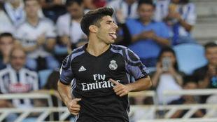 Marco Asensio celebra el 0-2 en Anoeta