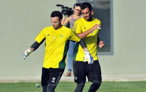 Manu Herrera y Ad�n, en un entrenamiento