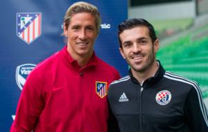 Vitaka Rodriguez y Fernando Torres posando para las c�maras de la...