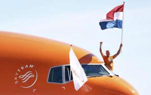 El nadador Ferry Weertman, oro en aguas abiertas 10 km, a su llegada a...