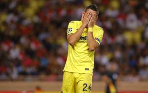 Santos Borr� lament�ndose tras fallar una ocasi�n de gol