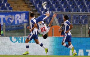 Felipe celebra su gol a la Roma.