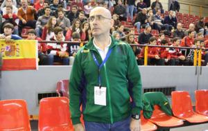 Jordi Ribera en el banquillo de Brasil en un amistoso ante Suecia en...