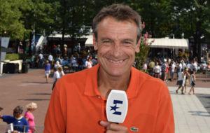 Mats Wilander ejerciendo como comentarista de Eurosport.