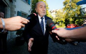 Blatter llegando al Tribunal Arbitral del Deporte (TAS)