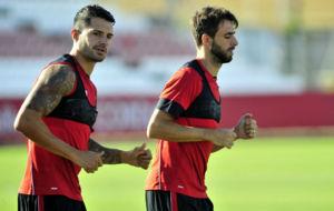 Vitolo, a la izquierda, en un entrenamiento