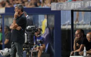 Juande dirigiendo un partido con el M�laga