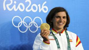 Maialen Chourraut, con el oro logrado en los Juegos de Río.