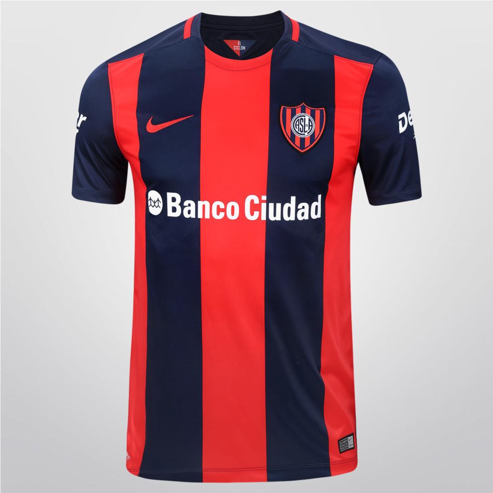 84aec6928ea74 Así son las camisetas de los 30 clubes de Argentina - Conozca el  significado de cada apodo de los...
