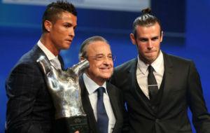 Cristiano Ronaldo con Florentino P�rez y Gareth Bale