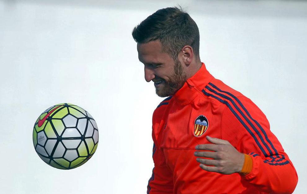 Mustafi, en un entrenamiento del Valencia.
