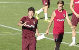 Simeone y Griezmann, en el entrenamiento del Atl�tico.