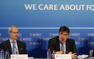Marchetti y Theodoridis en la presentaci�n de la UEFA de la nueva...