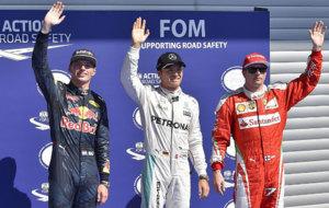 Verstappen, Rosberg y Raikkonen saludan tras la sesi�n de...