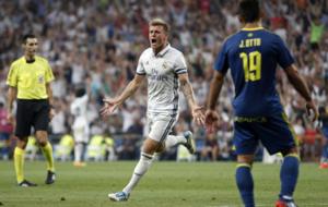 Kroos celebrando el gol de la victoria.