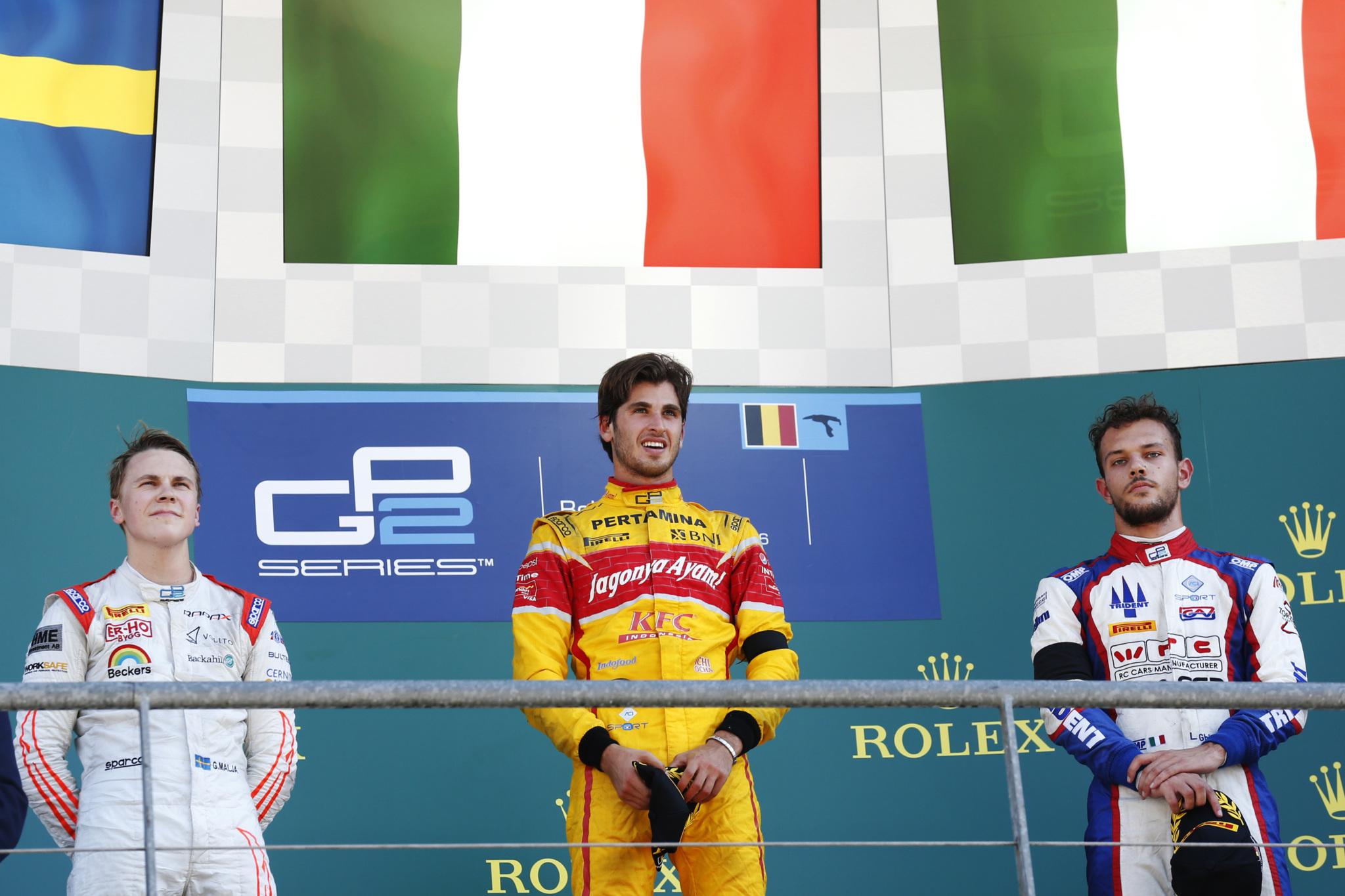 Antonio Giovinazzi, Gustav Malja y  Luca Ghiotto (ITA, Trident), en el...