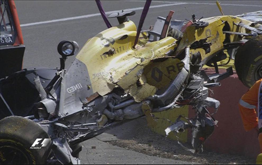 El coche de Magnussen, tras el accidente