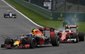 Max Verstappen y Kimi R�ikk�nen, durante el GP de B�lgica.