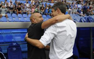 Abelardo y Pellegrino se funden en un abrazo antes del encuentro.