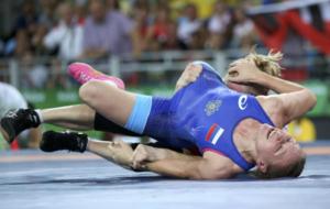 Inna Trazhukova en su combate con la polaca Monika Michalik