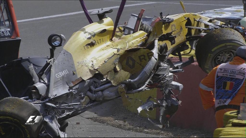 Así quedó el Renault de Magnussen tras estrellarse en el Raidillon.
