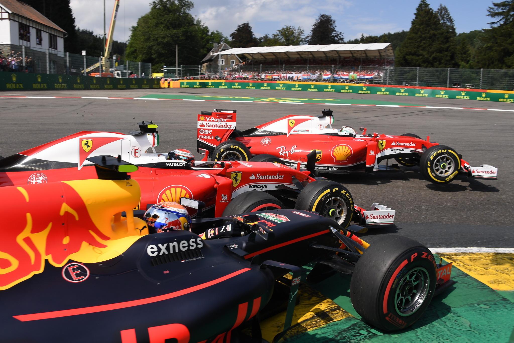Encontronazo entre Vettel, Raikkonen y Verstappen en Spa
