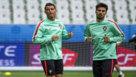Cristiano y Andr� Gomes, durante un entrenamiento con la selecci�n...