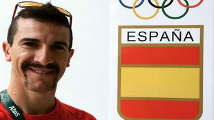 Carlos Coloma, en su llegada a la Villa Olímpica.