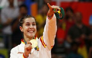 Carolina Mar�n, con la medalla de oro.
