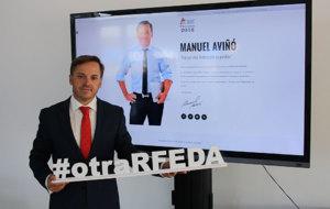 Manuel Avi�� presenta el 'hashtag' de su candidatura.