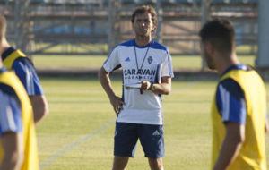 Luis Milla dirige un entrenamiento en la Ciudad deportiva.