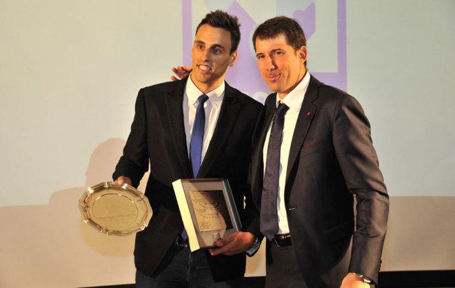 Adrià Figueres recoge su galardón como MVP