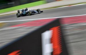 Hamilton, durante los terceros entrenamientos libres esta ma�ana en...