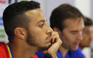 Thiago durante la rueda de prensa.