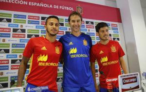 Julen posa con Thiago y Silva en el Reino de Le�n