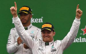 Hamilton y Rosberg, en el podio de Monza