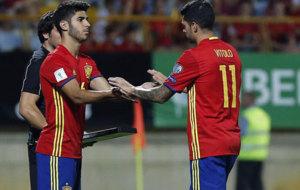 Asensio entra por Vitolo para debutar con la selecci�n espa�ola.
