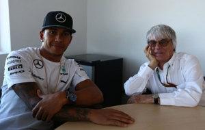 Lewis Hamilton y Bernie Ecclestone.