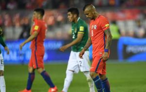Arturo Vidal en el partido ante Bolivia