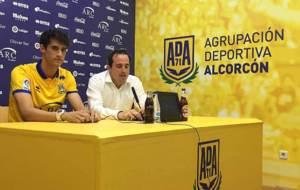 Pablo P�rez, durante su presentaci�n como nuevo jugador amarillo