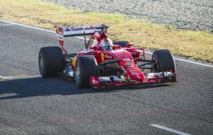 Vettel, hoy en el Circuit con las impresionantes Pirelli de 2017