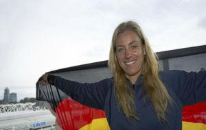 Angelique Kerber posa con la bandera de Alemania en Australia.