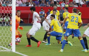Con este gol de Carlos Fern�ndez  cerr� el Sevilla la remontada