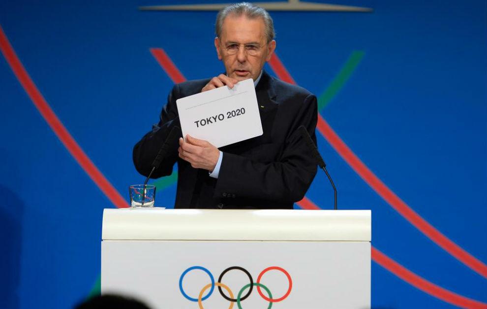 Jacques Rogge, entonces presidente del COI, durante la elección de...