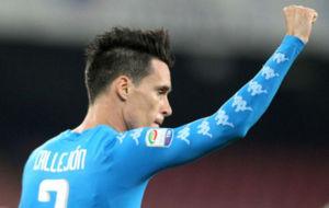 Callej�n celebra uno de los goles logrados contra el Milan.