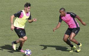 Sergi Guardiola en uno de sus �ltimos entrenamientos con el Granada....