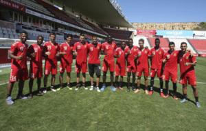 Los trece jugadores extranjeros del N�stic.