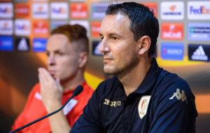 Aleksandar Jankovic, entrenador del Standard de Lieja, no se f�a del...