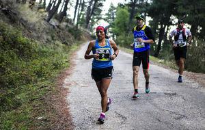Varios corredores, en la carrera de la Monta�a Solidaria
